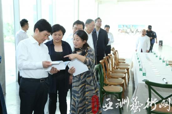 中国艺术品产业博览会进入高潮,中外领导嘉宾齐亮相